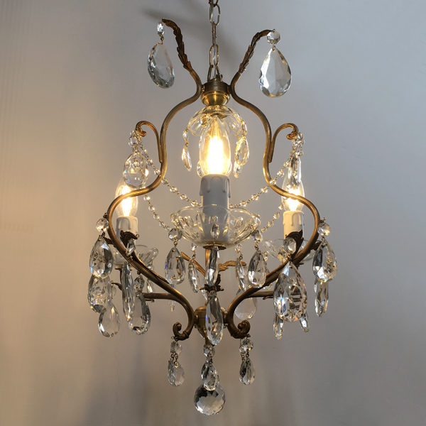 chandelier a cestino
