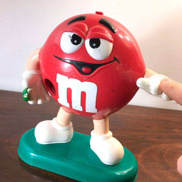 dispenser M&M rosso
