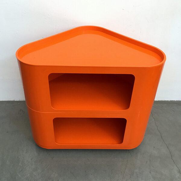 angoliera in plastica anni '70 arancione modernariato