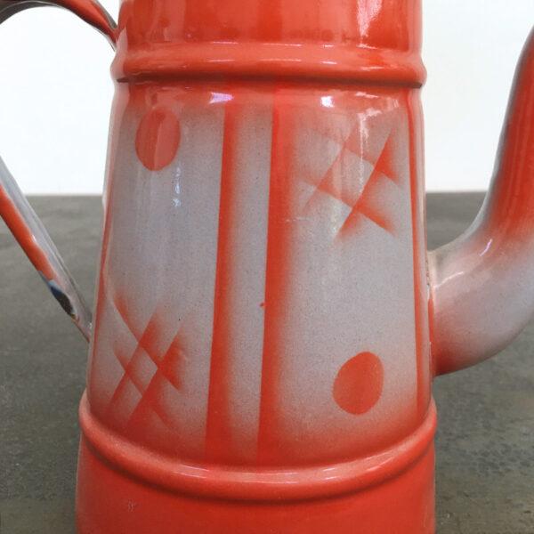 latta smaltata con decoro arancione e grigio
