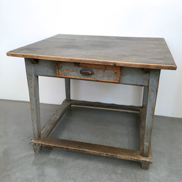 tavolo da lavoro vintage