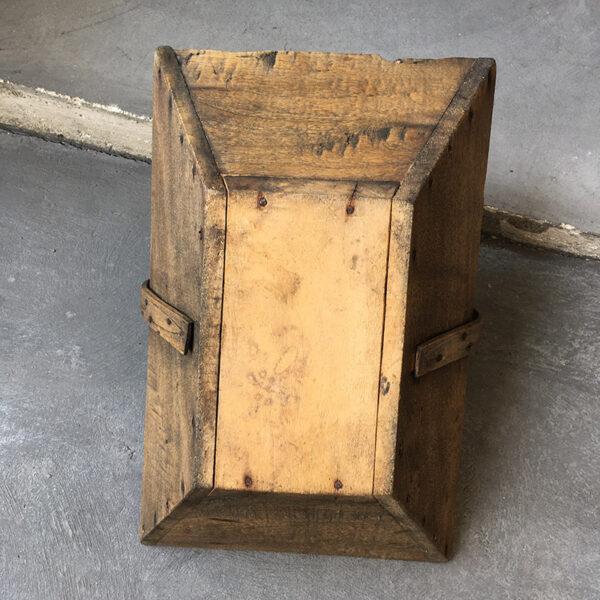 cestino in legno vintage
