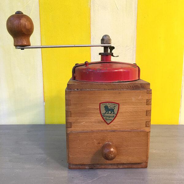macinino da caffè Peugeot rosso vintage